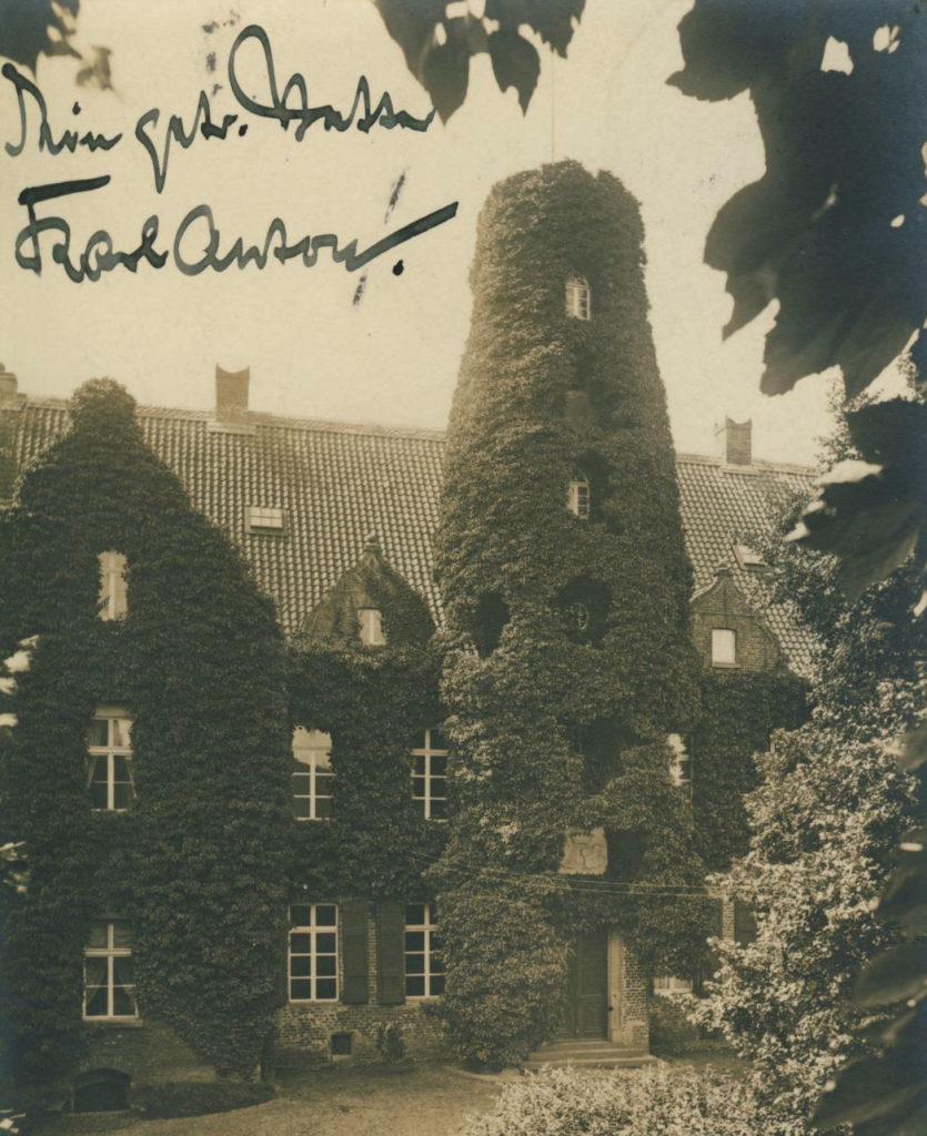 """Postkarte von 1911, geschrieben vom """"Schloßherrn"""" Karl Anton von Plettenberg"""