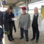 Petra Kessler (NRZ) im Gespräch mit den Organisatoren Heinz Wuwer und Sepp Aschenbach
